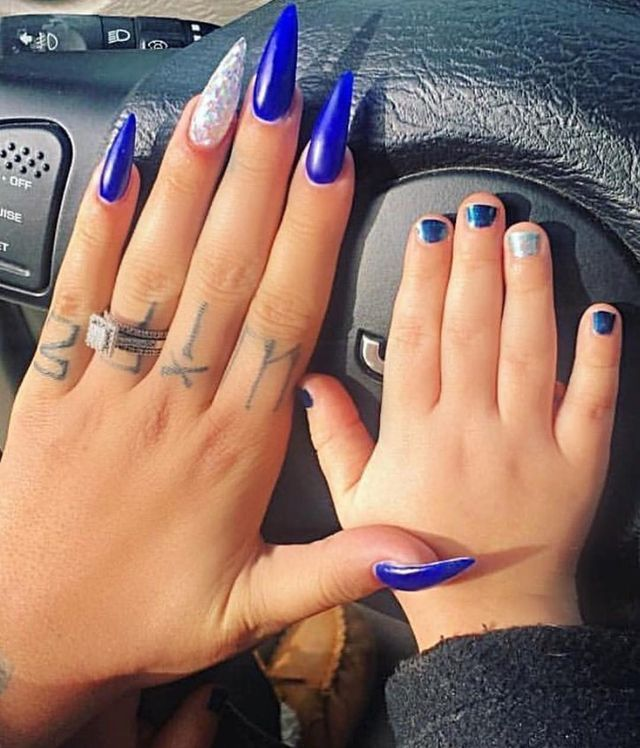 Pin By Toni Simmons On Unas Blue Acrylic Nails Beautiful Nails Stiletto Nails
