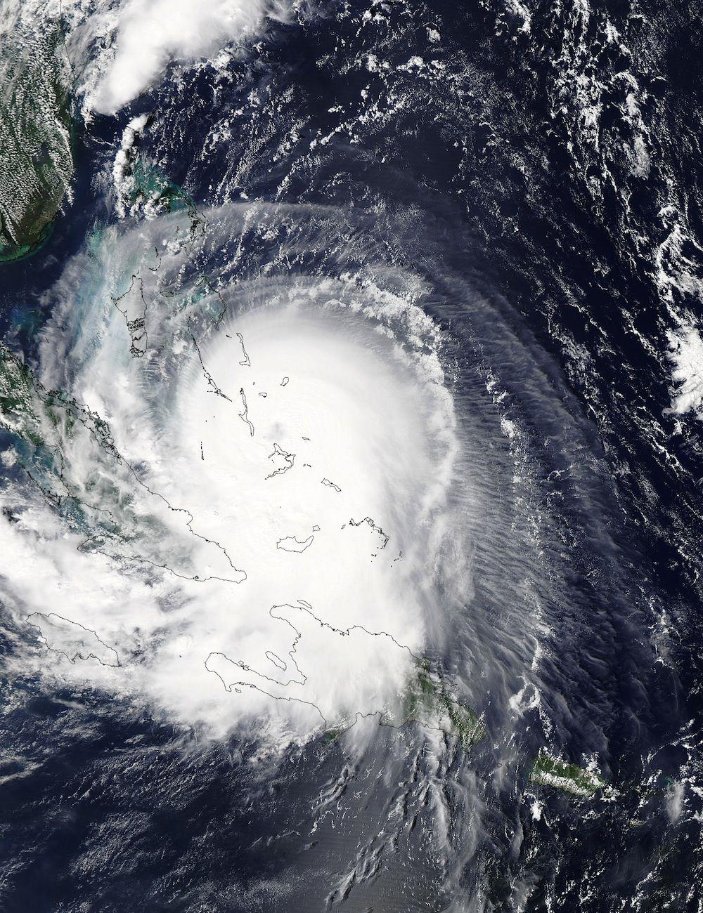 Nasa Satellite Spies Hurricane Joaquin Replacing An Eye Joaquin Science Photos Nasa