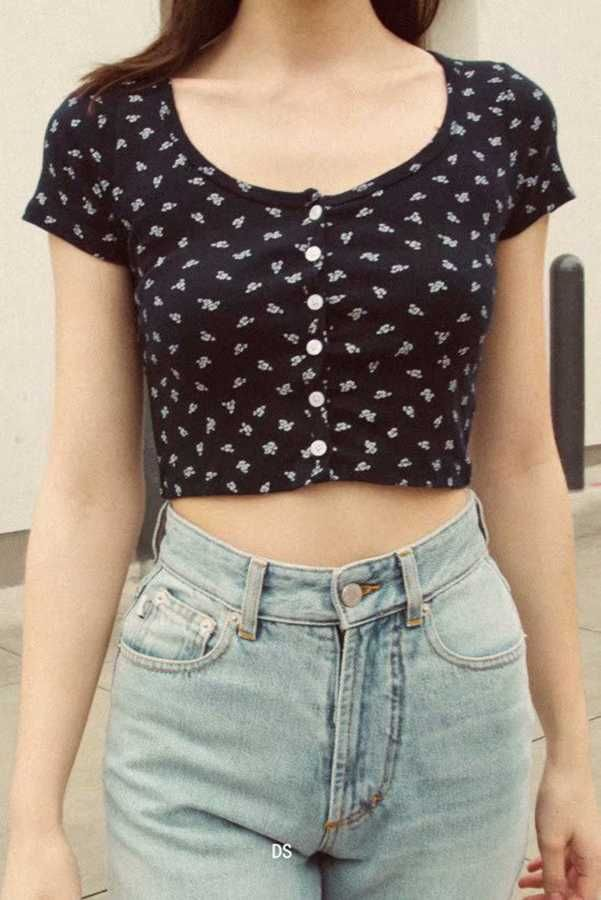 Get extra 15% OFF ALL Tops with code SUNIDRESS. short sleeve floral crop top button up crop tee shirts black crop t shirt women's cute crop shirts for womens spring tops. #croptops #cropped #blacktop #croptop #tshirts #shirts