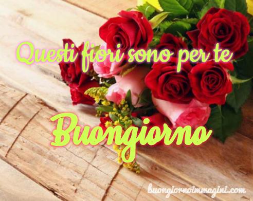 Mazzo Di Fiori Emoticon.Facebook Mazzo Di Rose Mazzo Di Fiori Rose Rosse