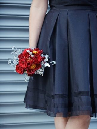 Winter Wedding Idea A Bold Red Bouquet With Navy Dresses Winter