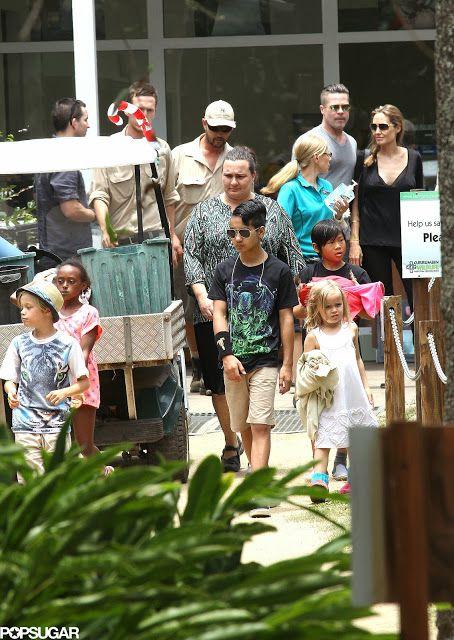 Celeb Diary: Angelina Jolie & Brad Pitt @ Currumbin Wildlife Park in Queensland, Australia