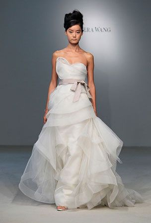 Vera Wang wedding dresses sample sale | Vera wang wedding dresses ...