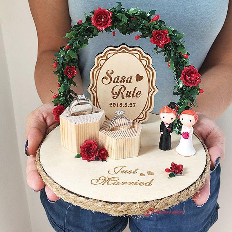 Satın Al Kişiselleştirilmiş Rustik Aspir Halka Yastık Ahşap Gelin Damat Nişan Yüzüğü Tutucu Yastıklar Evlilik Teklifi Düğün Günü Dekorasyon, TL273.28 | DHgate.Comda