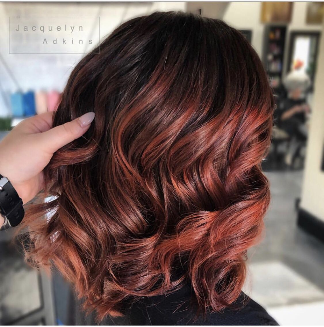 Follow Me On Instagram Unevneib Red Hair Short Red Hair Wavy Hair Curly Hair Wand Curls Hand Painted Hair Bala Curly Hair With Wand Maroon Hair Short Red Hair