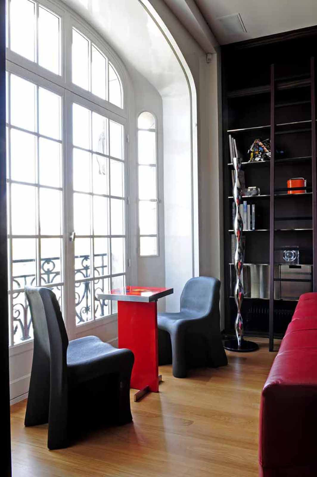 Loft bedroom ideas with ensuite  Appartement Quai Voltaire   Laurent Bourgois et Caroline Sarkozy