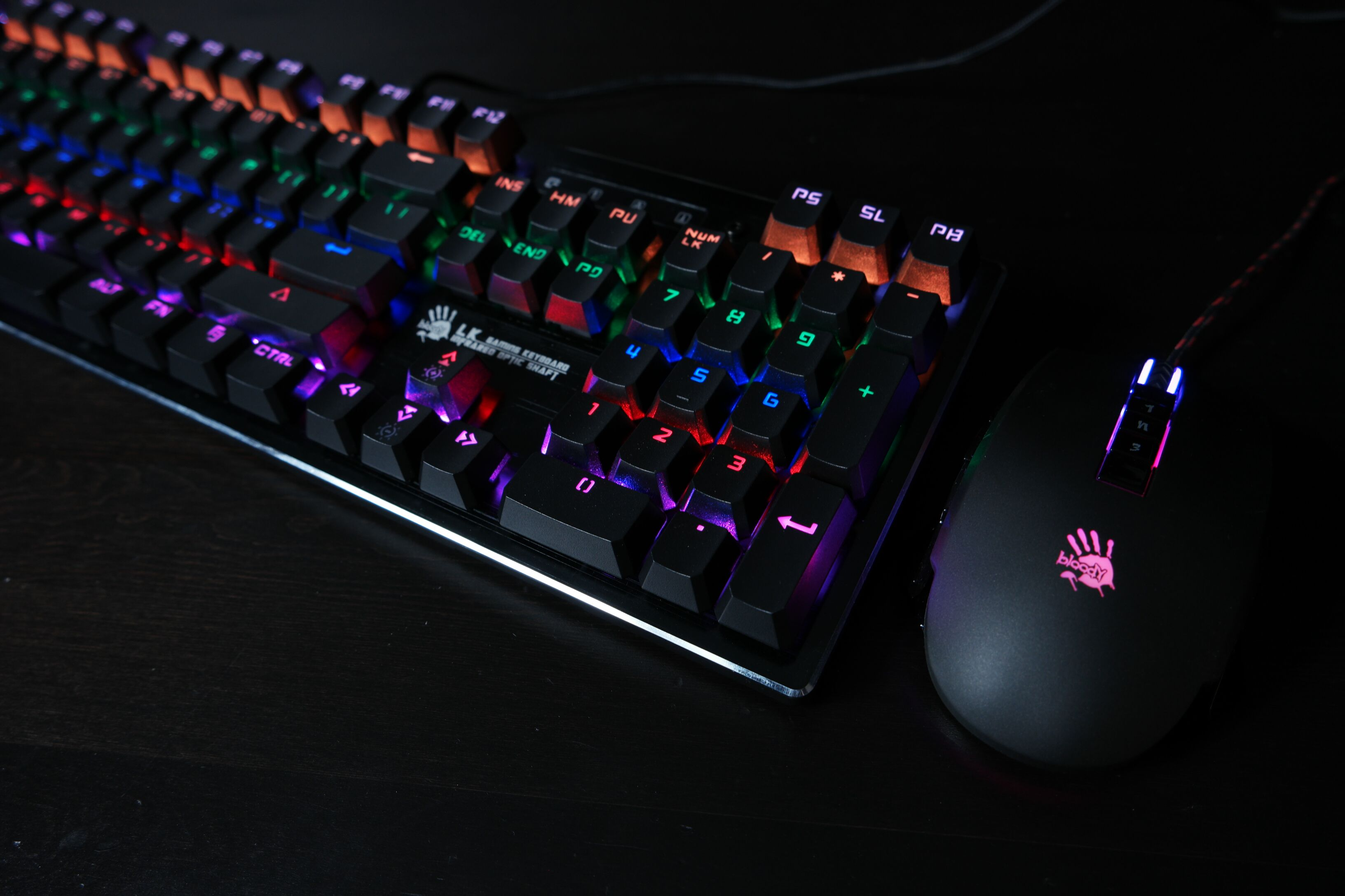 bloodygaming Light Strike is known to use Optical Laser in
