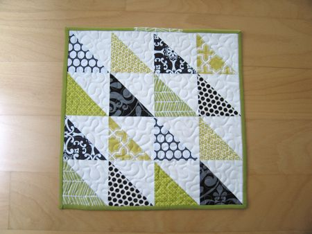 Triangle quilted squares are perfect for beginners and can be ... : how to make quilt squares - Adamdwight.com