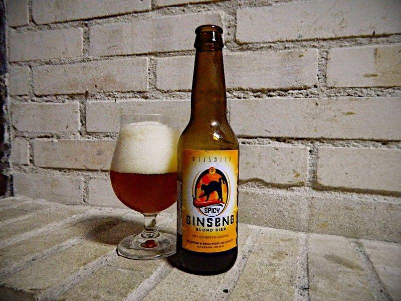 Cerveja Wijsbier Spicy Ginseng, estilo Spice/Herb/Vegetable Beer, produzida por Brouwerij de Molen, Holanda. 4.7% ABV de álcool.
