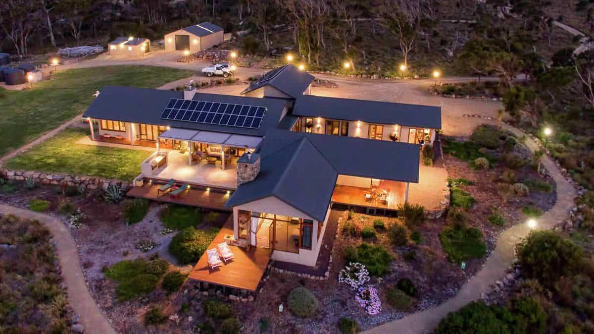 Waterfront Estate Located In Tasmania, Australia