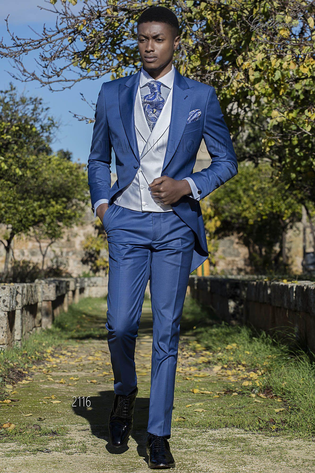 Abito da sposo blu royal con gilet bianco. Completo ONGala 2116 ... ed87fa3e1e7