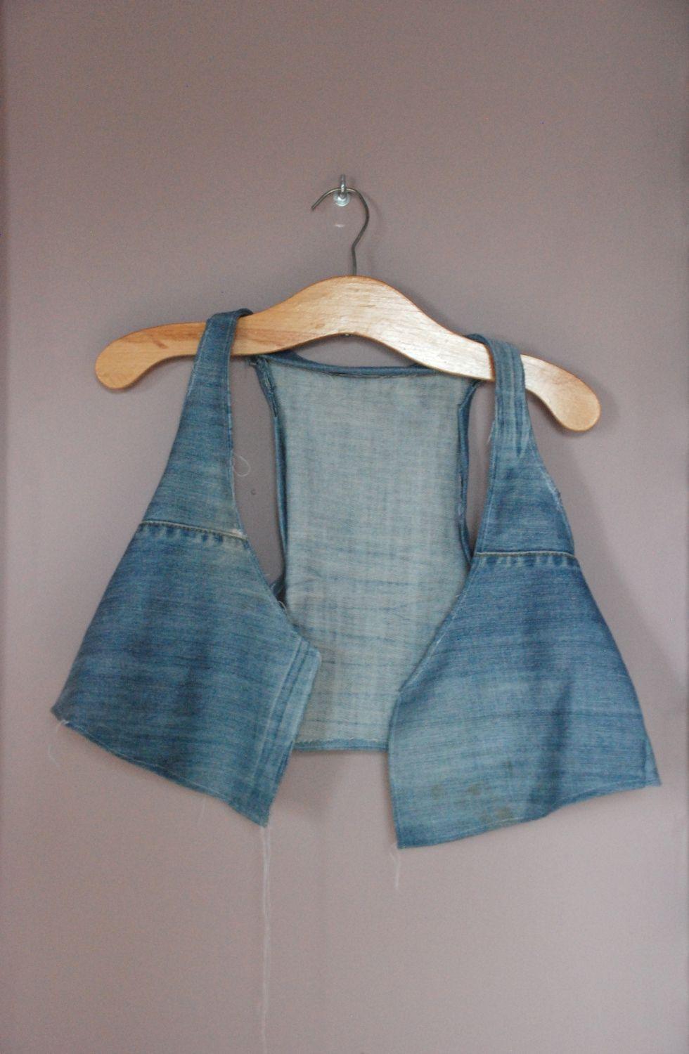 17d9657fd8cde4 DIY  vest from old jeans, wasn t too hot on this til I saw one of the girls  on Pretty Little Liars wearing a denim vest, now of course I can t wait to  ...