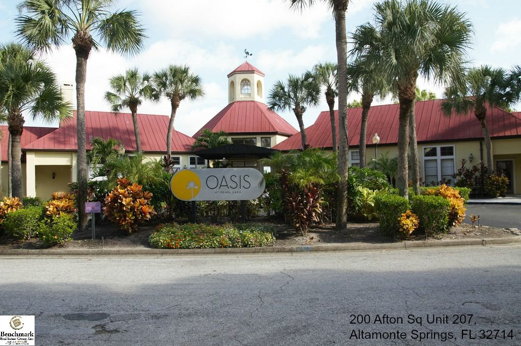 Enjoy comfortable and cozy living in this Altamonte
