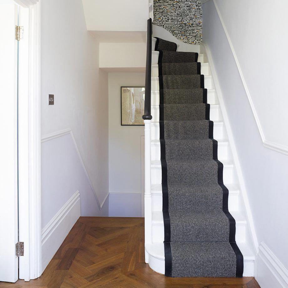 Best White Entrance Hall With Dark Grey Stair Runner 400 x 300
