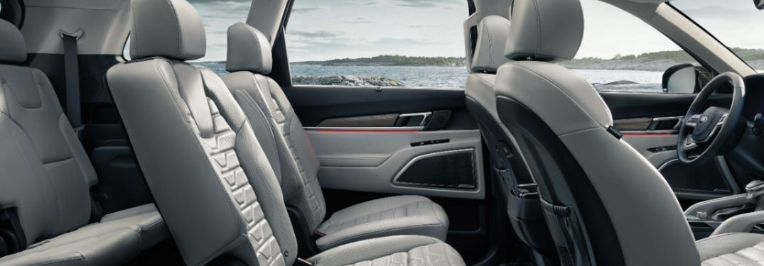 The Wide And Comfortable Seats Of The 2020 Kia Telluride Make For A Great Commute And The Second Row Accommodations Are Colorful Interiors Interior Telluride