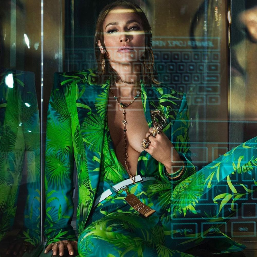 Versacess20 Hashtag On Instagram Photos And Videos Jennifer Lopez Jlo Jennifer [ 1000 x 1000 Pixel ]