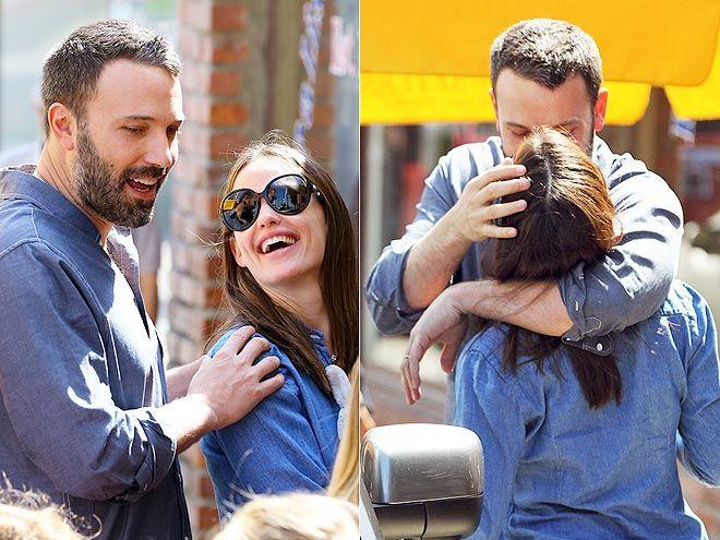 Ben Affleck And Jennifer Garner S Sweetest Pda Moments Jennifer Garner Jennifer Garner Ben Affleck Ben Affleck