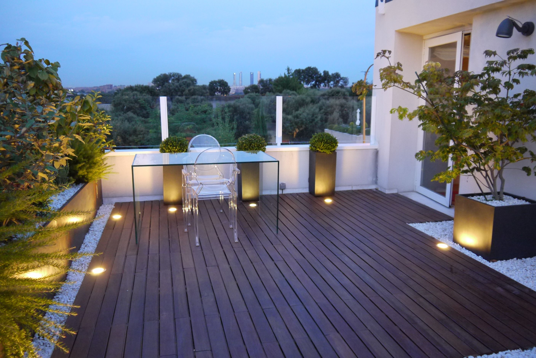 Diseno de terrazas aticos paisajismo pia terraza for Paisajismo patios