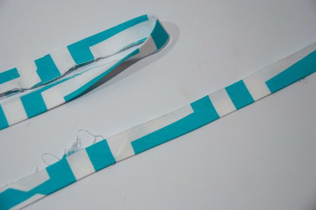 How to make bias tube tape binding from Aesthetic Nest