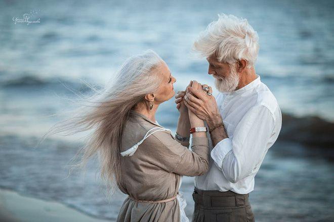Cư dân mạng xuýt xoa với bộ ảnh 'Tình yêu vượt thời gian' của cặp vợ chồng  già | Ảnh tình yêu, Tình yêu, Cặp đôi