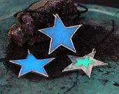 Glowing star pendants