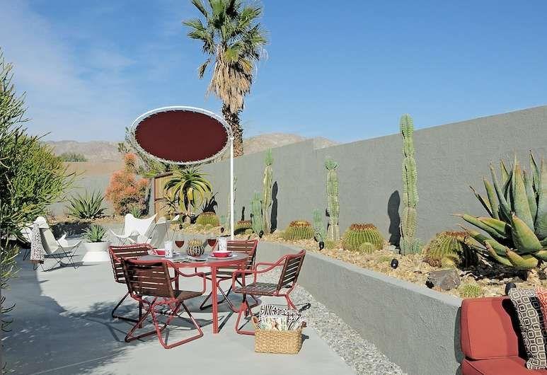 Book The Lautner in Desert Hot Springs