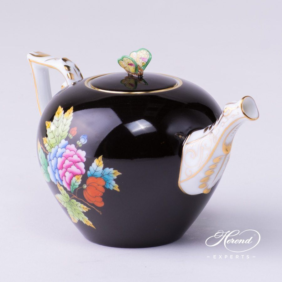 Tea Pot 20608 0 17 Ve Fn Queen Victoria Black Decor Herend Porcelain Hand Painted Tea Pots Tea Pots Vintage Tea
