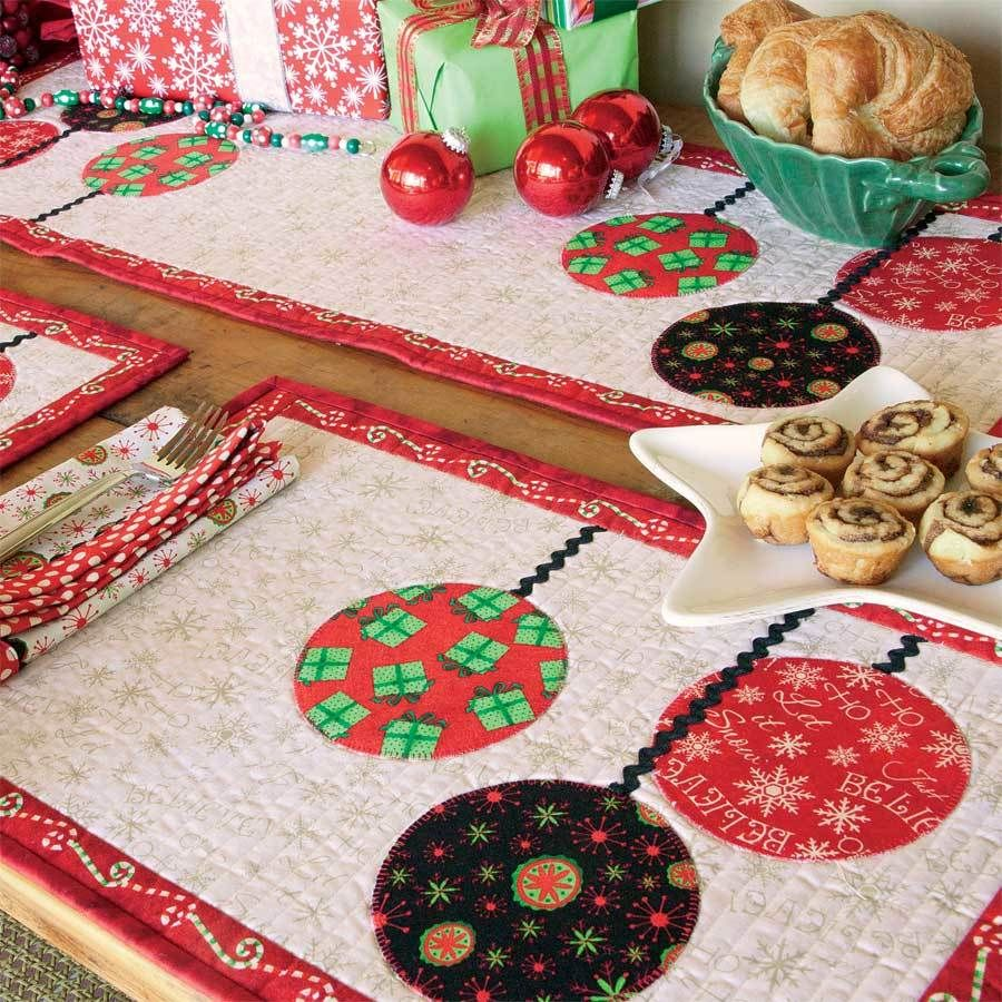 A Holiday Table To Be Proud Of Matching Table Runner