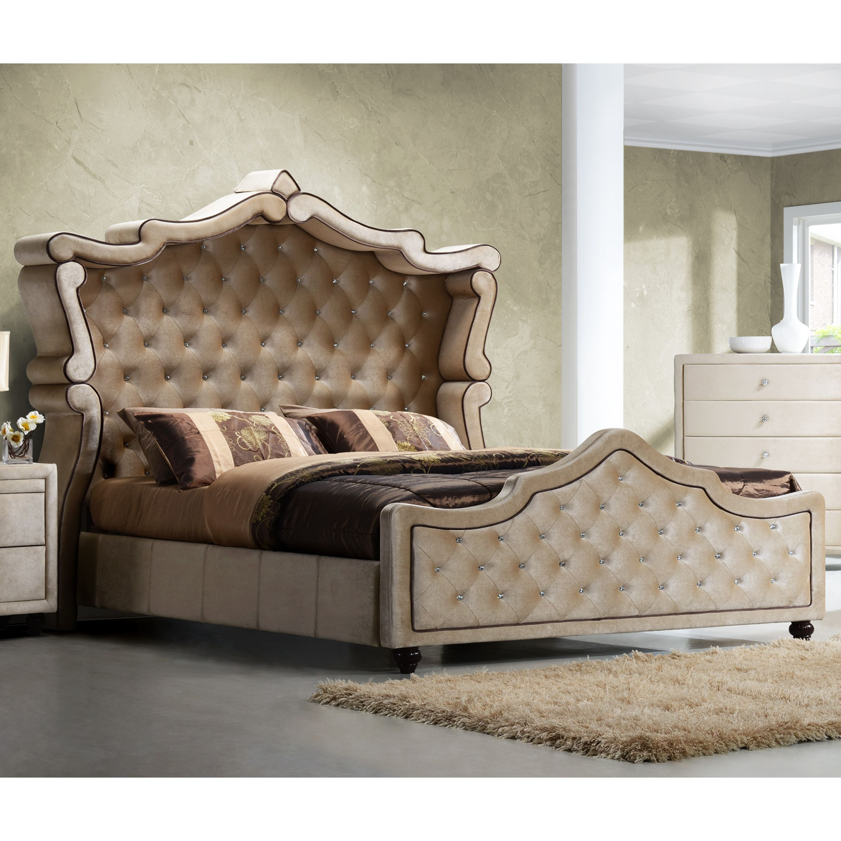 Meridian Furniture USA Diamond Upholstered Panel Bed