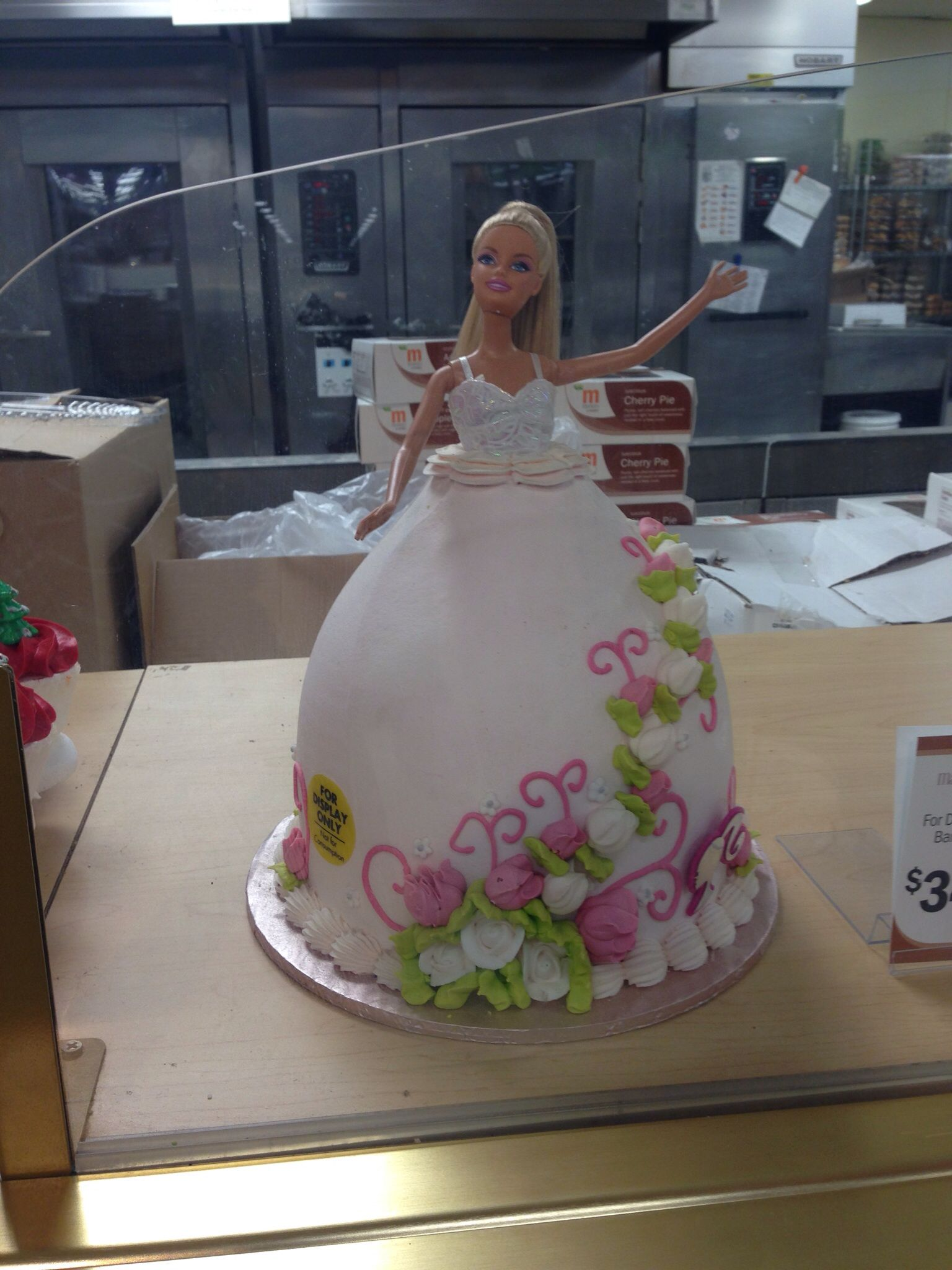 Saw this Barbie cake at Meijer and had to share | Birthday party ...