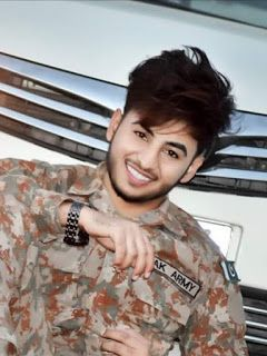 Stylish Handsome Beautiful Boy New Trendy Hair Style In Pakistan In 2020 2020 F 2021