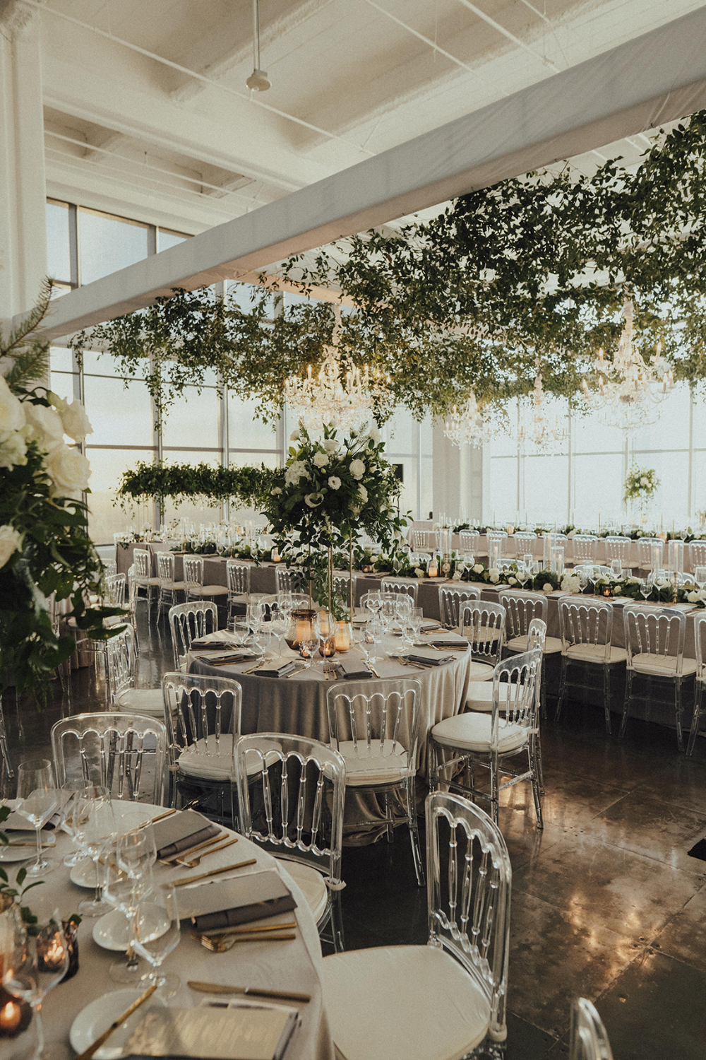 A Los Angeles Rooftop Wedding With Incredible City Views Rooftop Wedding Event Planning Design Floral Event Design