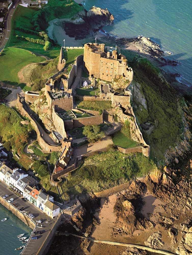 Gorey Castle Jersey #deptodublin Gorey Castle Jersey ...