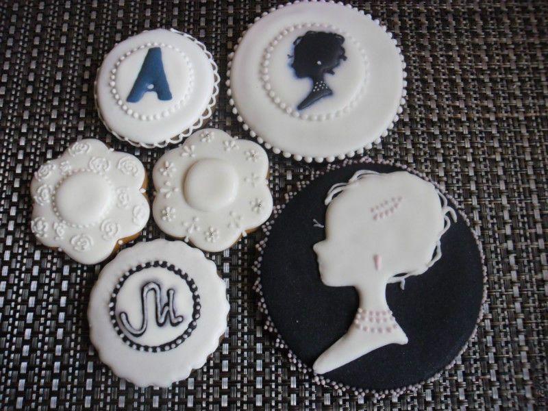 cameo and monogram cookies