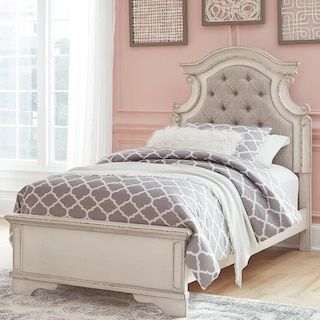 Best Signature Design By Ashley Realyn Twin Storage Bed In Chipped White In 2020 Twin Storage Bed 400 x 300