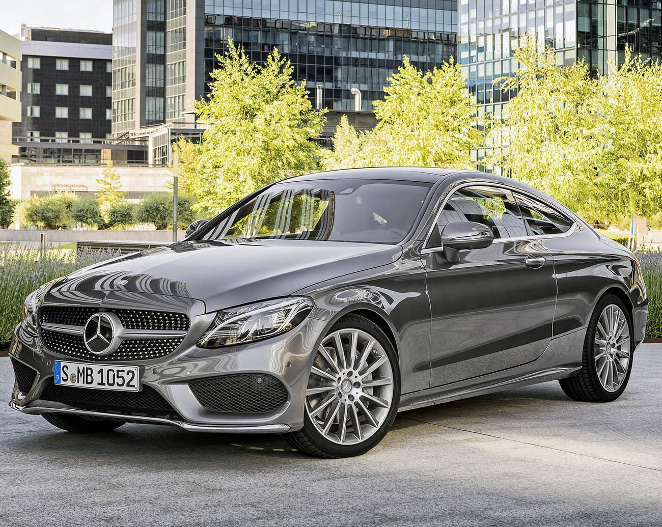 مرسيدس بنز سي كلاس كوبيه 2017 جمال وتصميم يأسر القلوب موقع ويلز Mercedes Benz C300 Mercedes Coupe Mercedes C Class Coupe