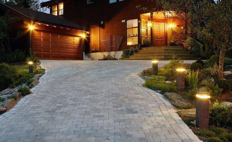 éclairage extérieur à LED - des bornes de jardin les deux côtés de l - pave pour terrasse exterieur