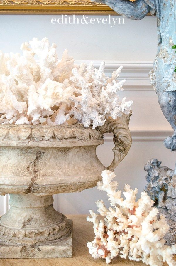 Summer Decorating With Coral And Shells Edith Evelyn In 2020 Oyster Shells Decor Summer Decor Sea Shell Decor