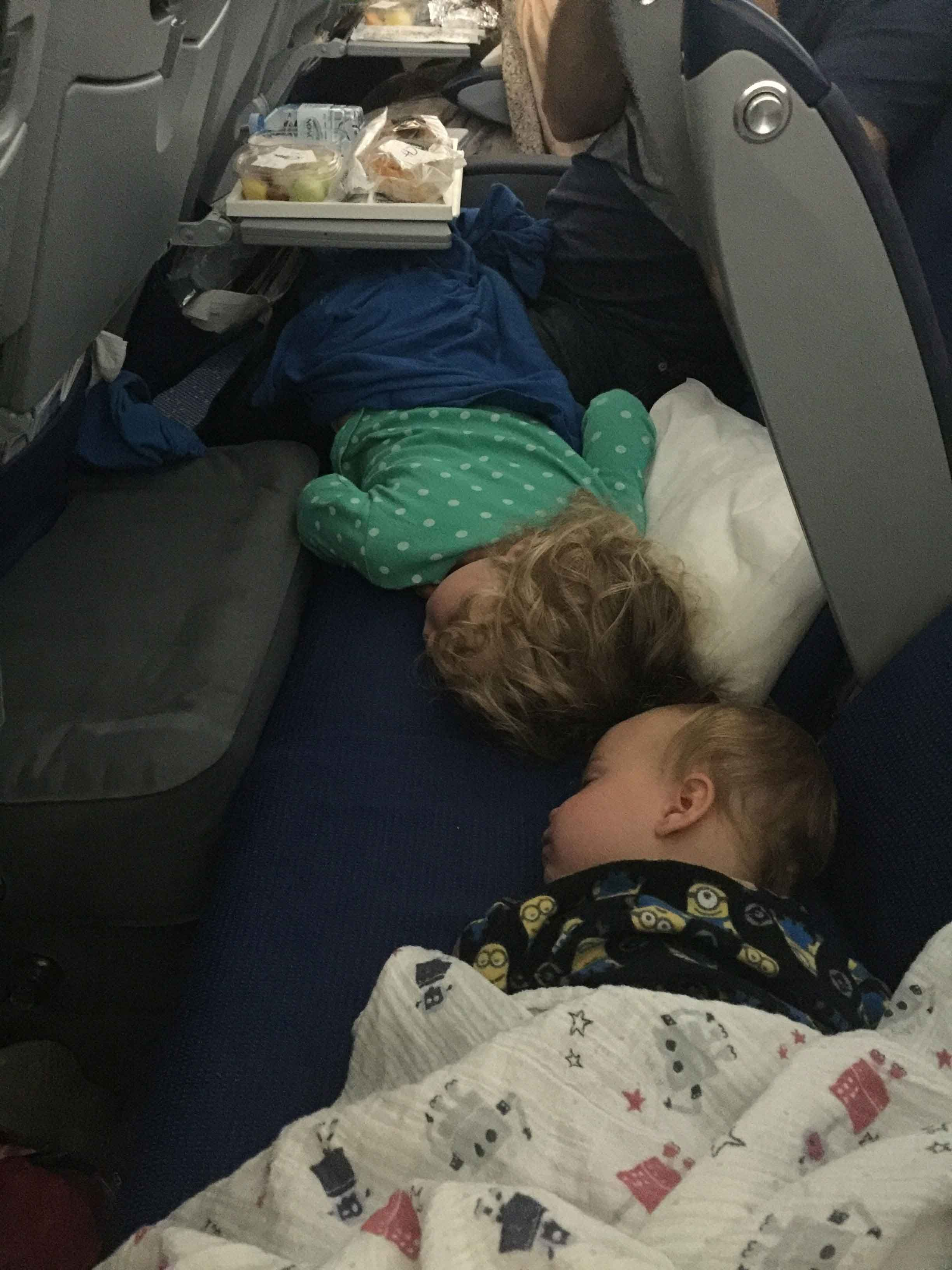 Fly Tot Inflatable Airplane Cushion Review Baby Can Travel