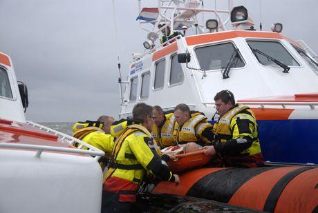 Westerscheldeoefening 2013: brand/explosie aan boord zandzuiger. http://www.knrm.nl/waar-wij-zijn/reddingstations/hansweert/nieuws/?contentID=6BAAB2B3