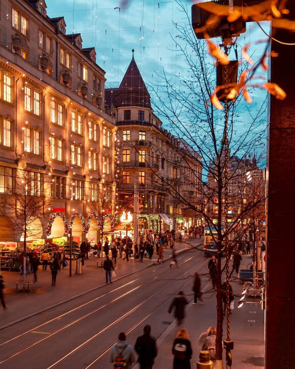 Discover The Best Attractions In Zurich What Is There To Do In The Biggest City Of Switzerland Here Are In 2020 Tourism Christmas Light Installation Christmas Lights