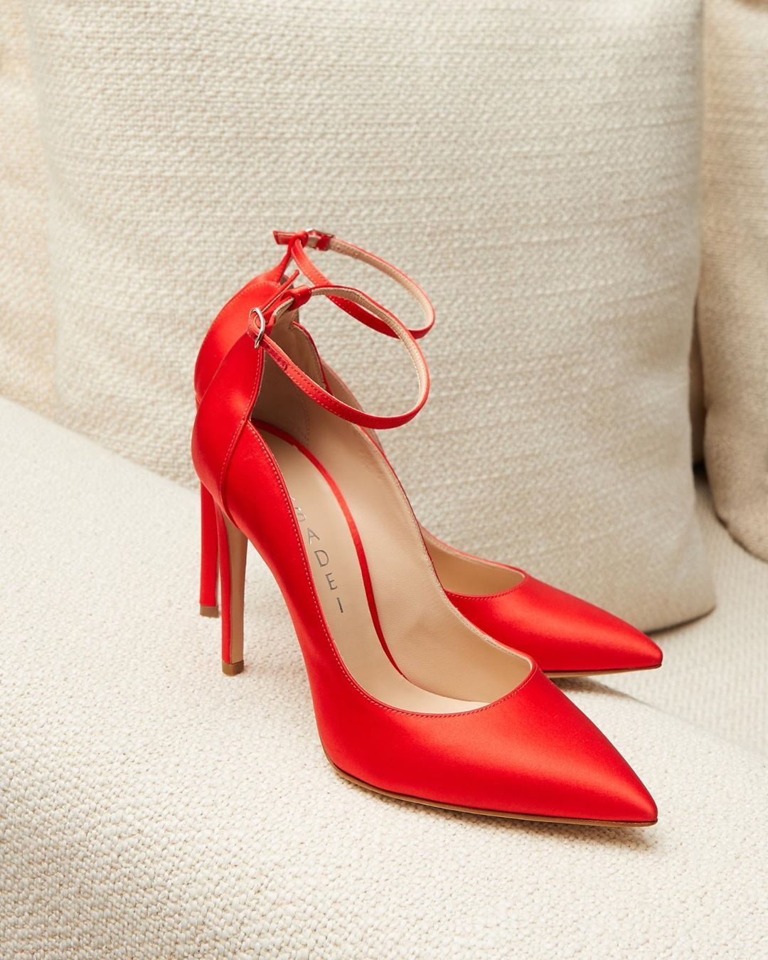 Red satin heels, Satin pumps
