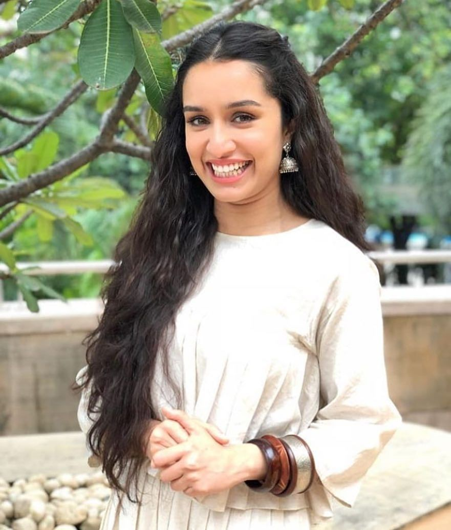 88971fd3e75108 How many ♥️ s for this beautiful picture of Shraddha Kapoor   pinkvilla 😍 .