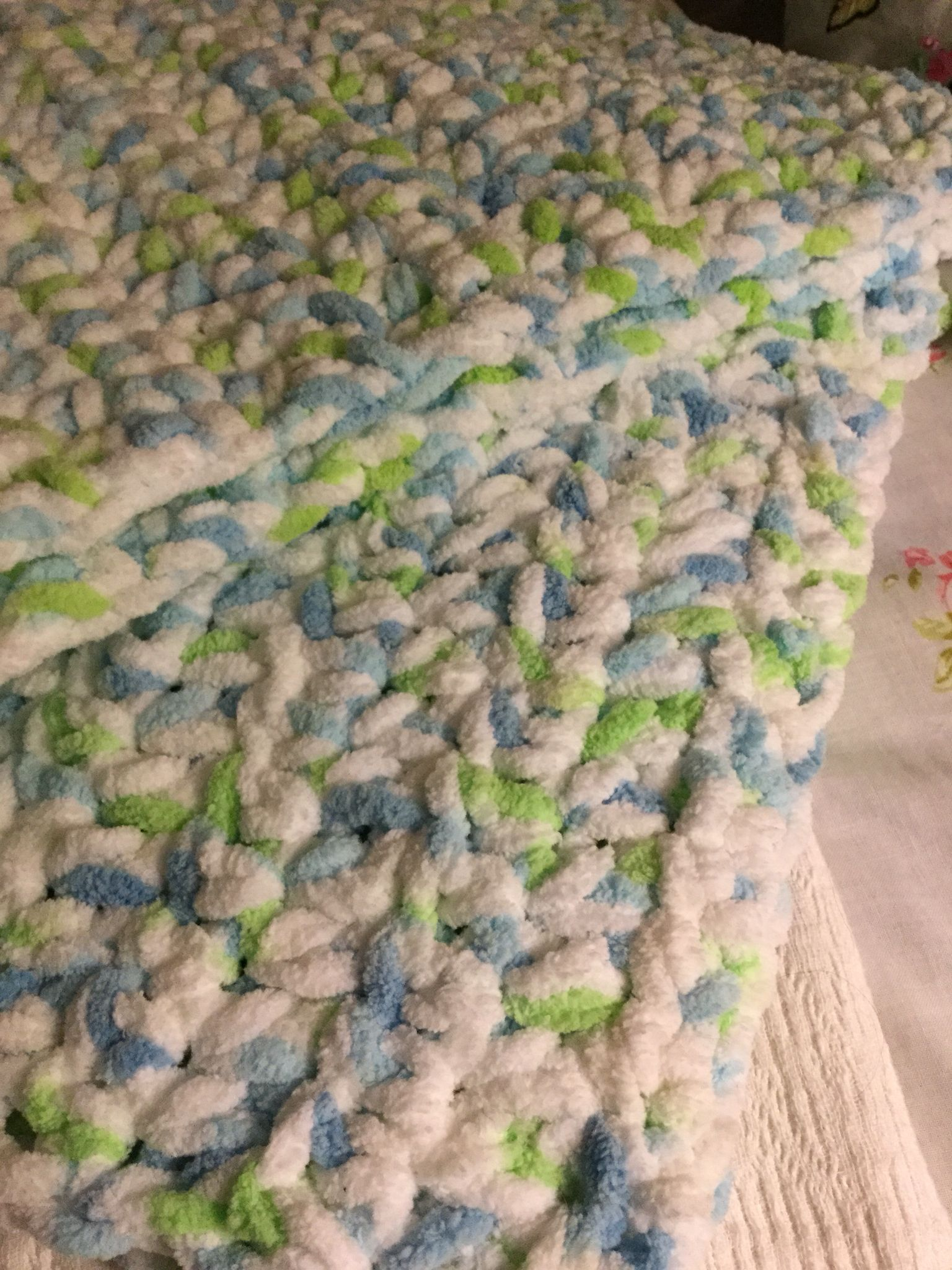 Chenille yarn baby blanket  Soft and thick | Oops!! I craft my pants
