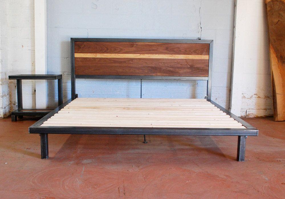 Kraftig Platform Bed with Rough Walnut Headboard KING SiZE   Bauholz ...