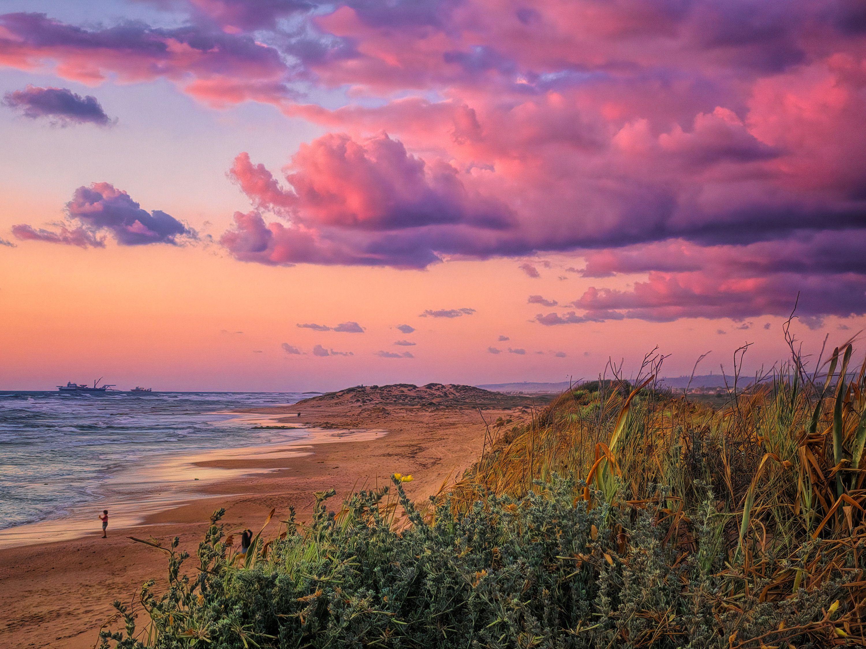 Pin On Sea Sunset sea pink clouds coast rocks