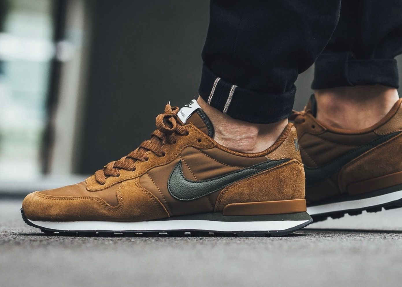 nike internationalist verde marron