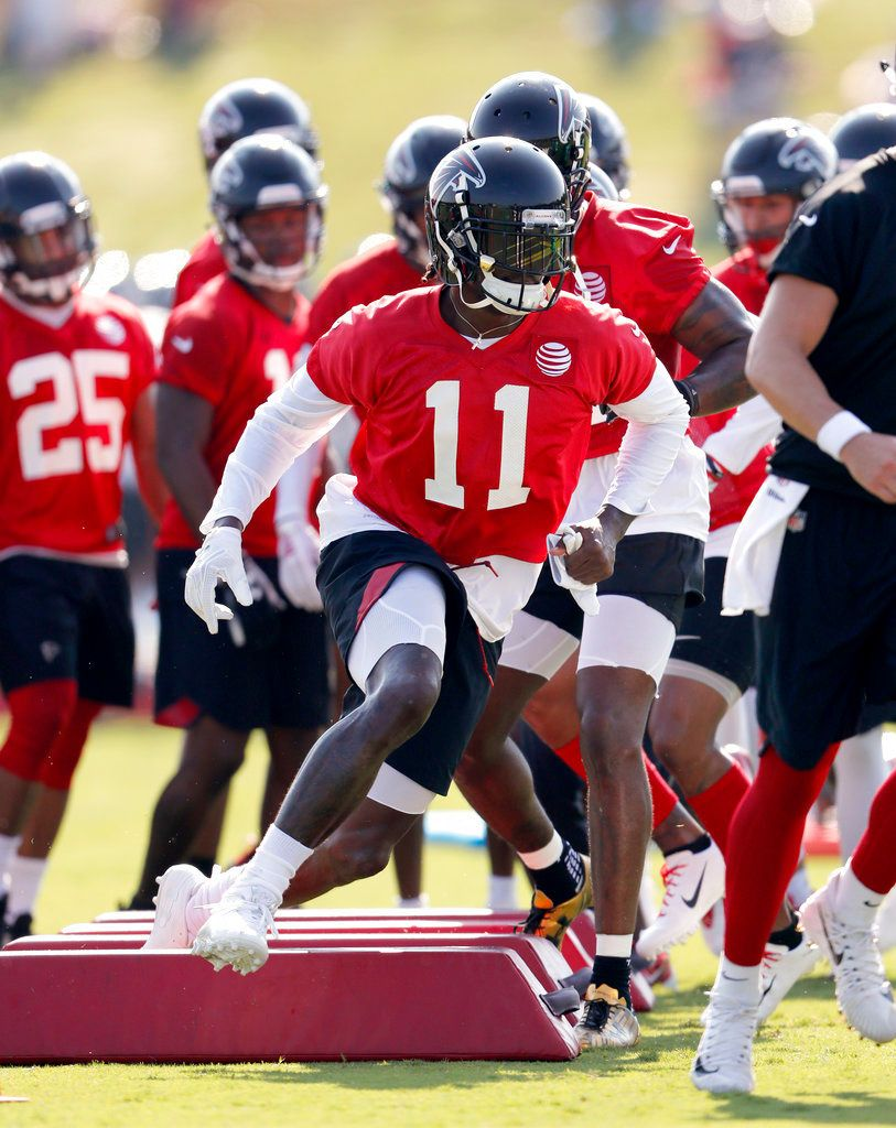 Julio Jones At Atlanta Falcons First Practice Of Training Camp Julio Jones Training Camp Atlanta Falcons