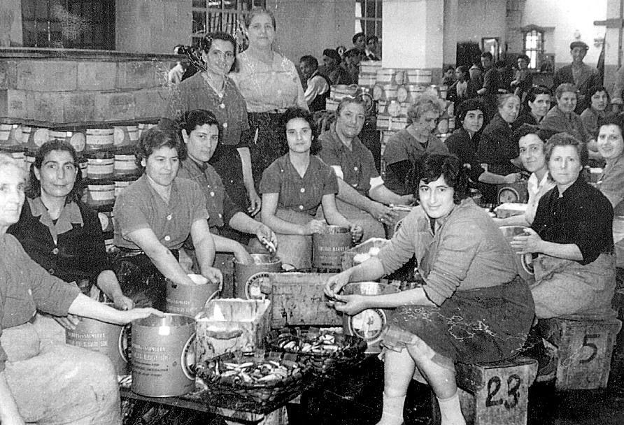 Retratos De Mujeres Trabajadoras De Cantabria