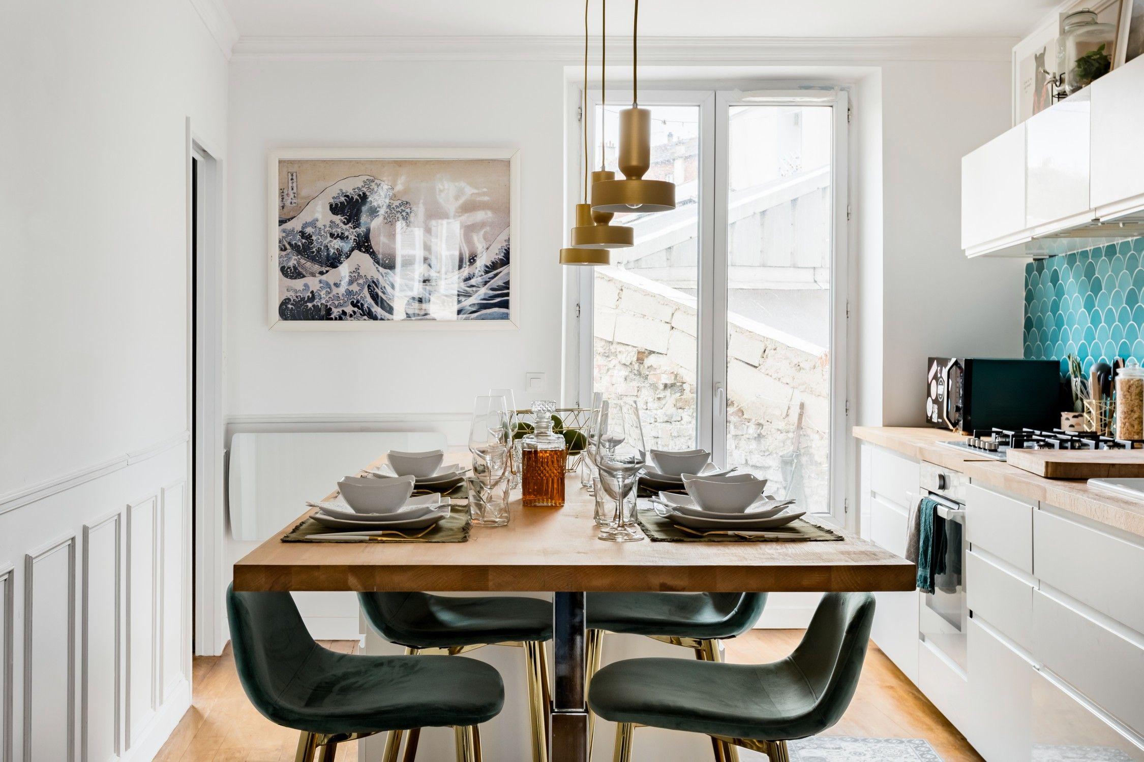 Cet Appartement De 60m2 Aux Portes De Paris Est Decore Dans Un Esprit Rock Et Loft Porte Paris Loft Cuisines Design